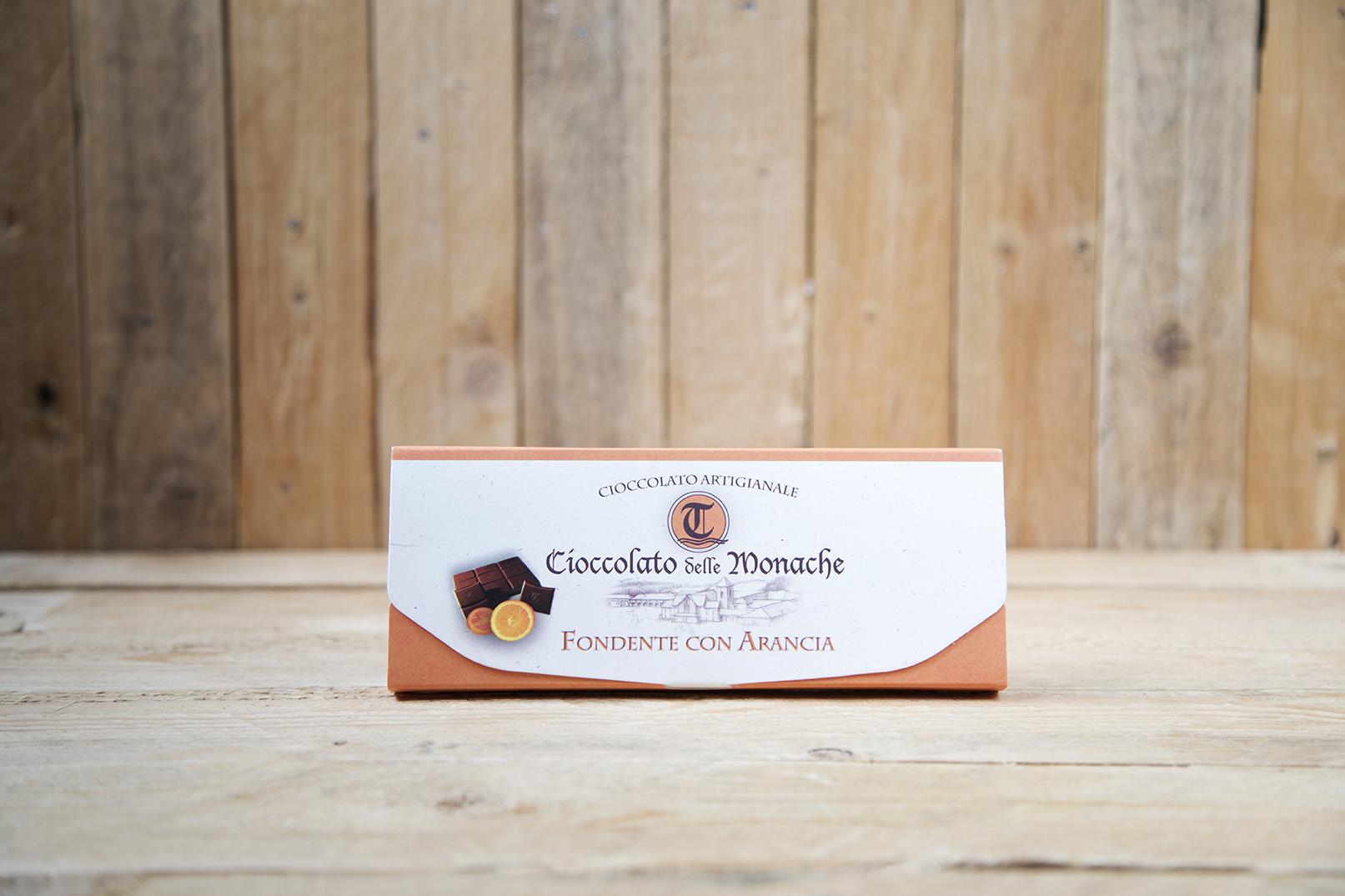 Cioccolato fondente con arancia candita