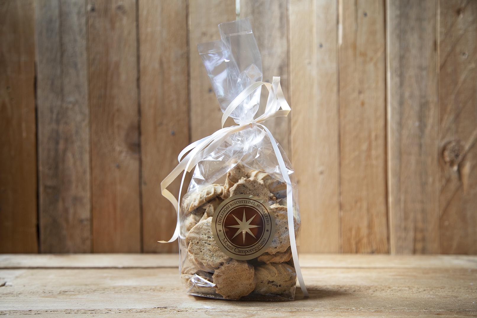 Biscotti con saraceno e uvetta